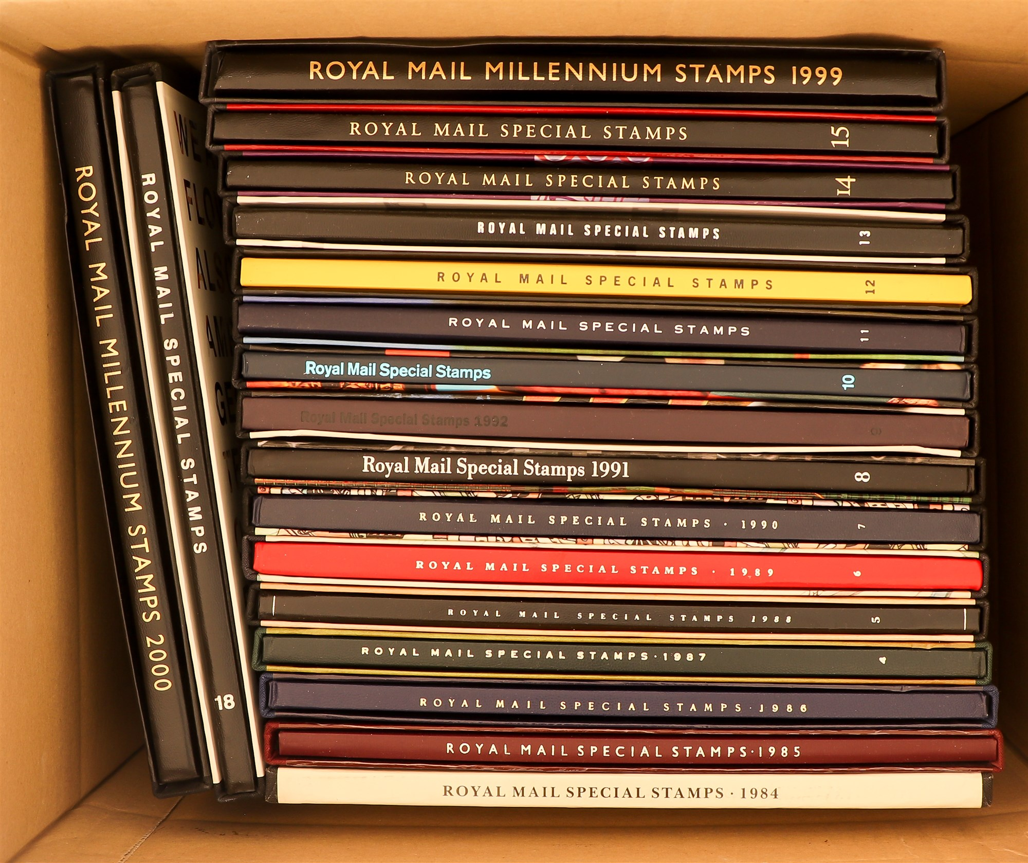 GB.ELIZABETH II YEAR BOOKS 1984 - 2001. Complete run of 18 books from number 1 (1984) to number
