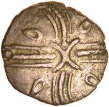 Tasciovanos Acorn. Catuvellauni. c.25BC-AD10. Celtic gold quarter stater. 12mm. 1.25g.