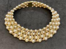 FINE MUST SEE 285 GRAM 18ct GOLD 11.00ct DIAMOND & 12.00ct BLUE SAPPHIRE PEARL CHOKER - £100,000