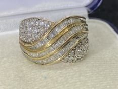 9ct YELLOW GOLD DIAMOND CLUSTER RING - APPROX SIZE N