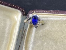10k WHITE GOLD BLUE SAPPHIRE COLOURED STONE & DIAMOND RING