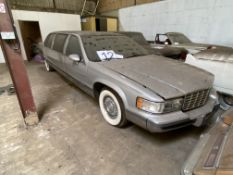1994 CADILLAC FLEETWOOD 6 DOOR LIMO - REGISTERED IN THE UK, REG IS L452PTV - NO V5 - WITH KEYS