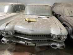 APPROX 1959 CADILLAC FLEETWOOD LIMO IN WHITE WITH KEYS