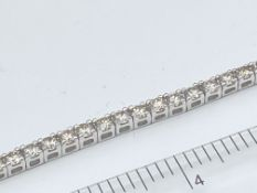 9ct WHITE GOLD 5.00ct DIAMOND TENNIS BRACELET