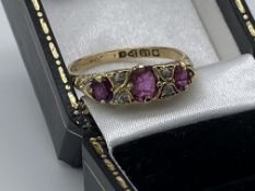 VINTAGE 18ct GOLD RUBY DIAMOND RING