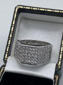 Gents 9ct \white Gold White Stone Set Ring