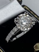 18ct GOLD 1.92ct DIAMOND SOLITAIRE RING