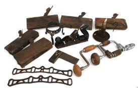A quantity of assorted wood working tools to include planes and block planes.