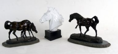 A Meissen porcelain bust depicting a horse, designed by Erich Oehme, on an ebonised plinth, 22cms (