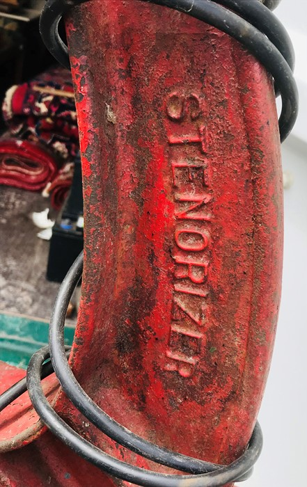 A vintage Stenovizer tyre remover - Image 2 of 2