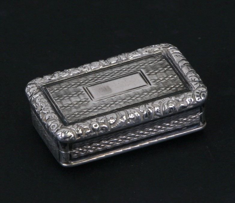 A George III silver vinaigrette with engine turned and cast decoration, Joseph Willmore,