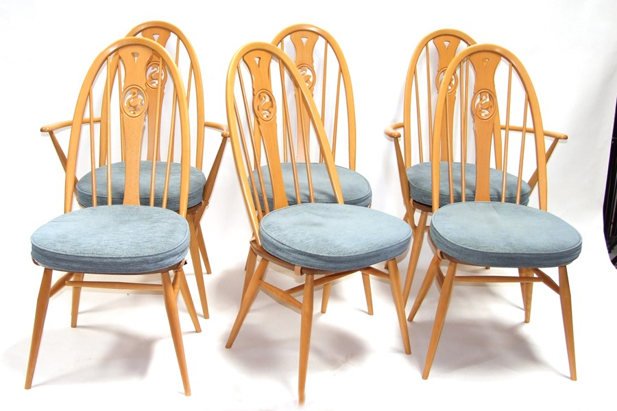 A set of six Ercol 9244 Swan back Windsor dining chairs (6).Condition ReportAll very good
