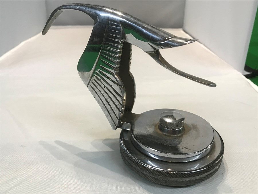 A Hispano Suiza style flying stork car mascot, after Fran‡ois Bazin, 15 cm, 6 inches long, mounted - Image 2 of 3