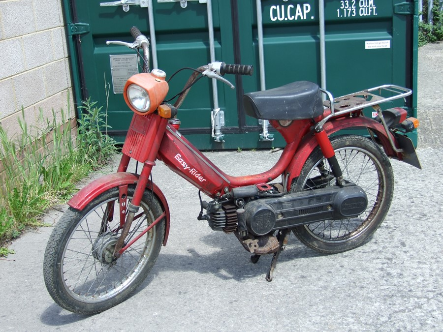 Circa 1975 Easy Rider moped project for restoration. No paperwork. Reg no. N533 NAE.