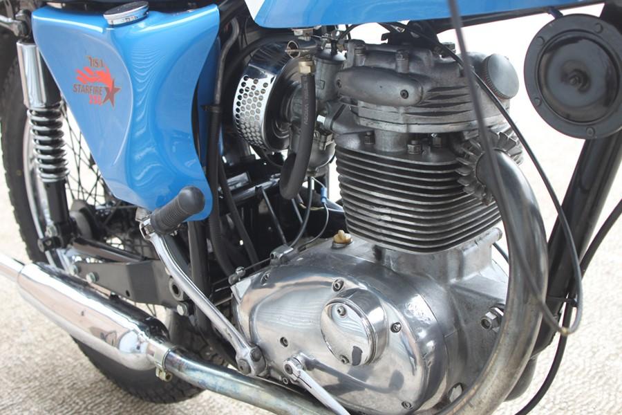 A 1968 BSA B25 S Starfire, registration no. AHJ 451E, frame no. B25B 584, engine no. B25B 584, Blue. - Image 11 of 13