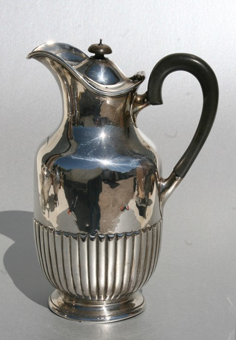A Victorian silver water jug, London 1895, total weight 536g, 22cms (8.5ins) high.
