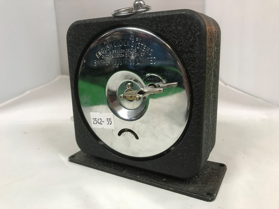 A Smiths English Clock Systems interval/lap timer, 10 cm, 4 inches wide - Image 2 of 4