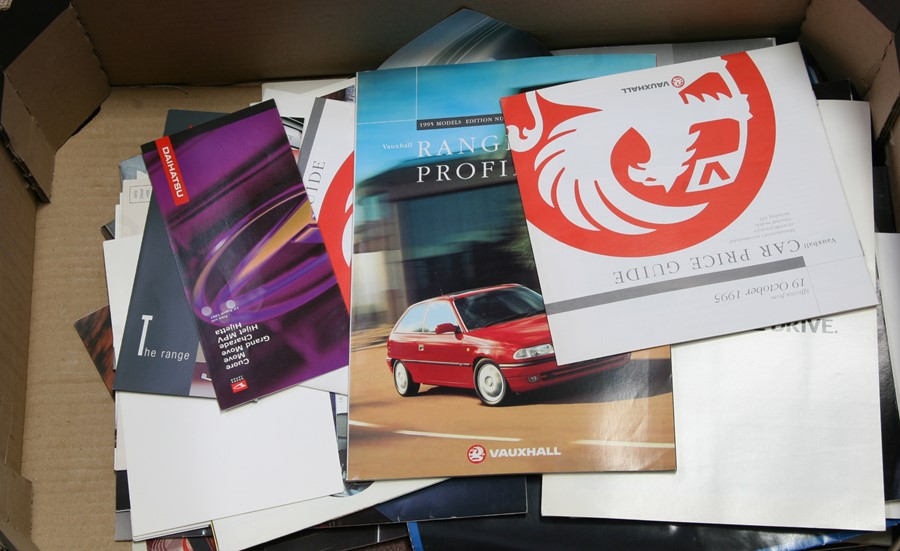 A collection of car sales brochures including, Mini, Ford, Vauxhall, Suzuki, Renault and others. - Image 2 of 2
