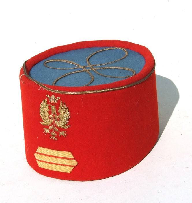 A late 19th or early 20th century (possibly) Poland Army officers pill box cap or fez. Red and