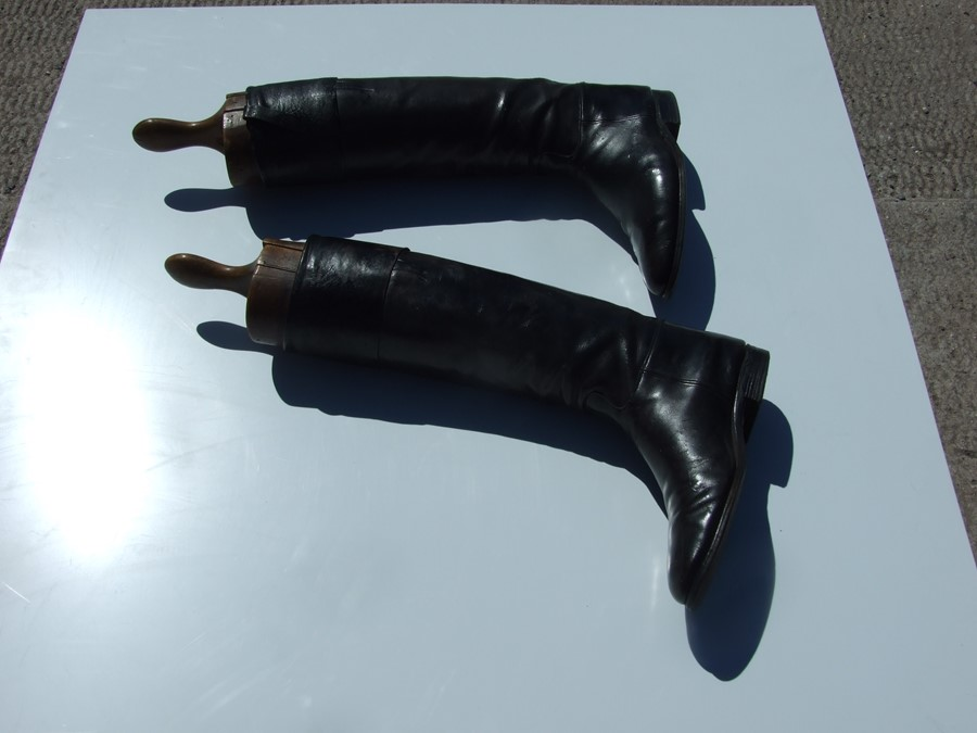 A pair of black leather riding boots with wooden trees.Condition ReportSole measures 29cms and the - Image 9 of 10