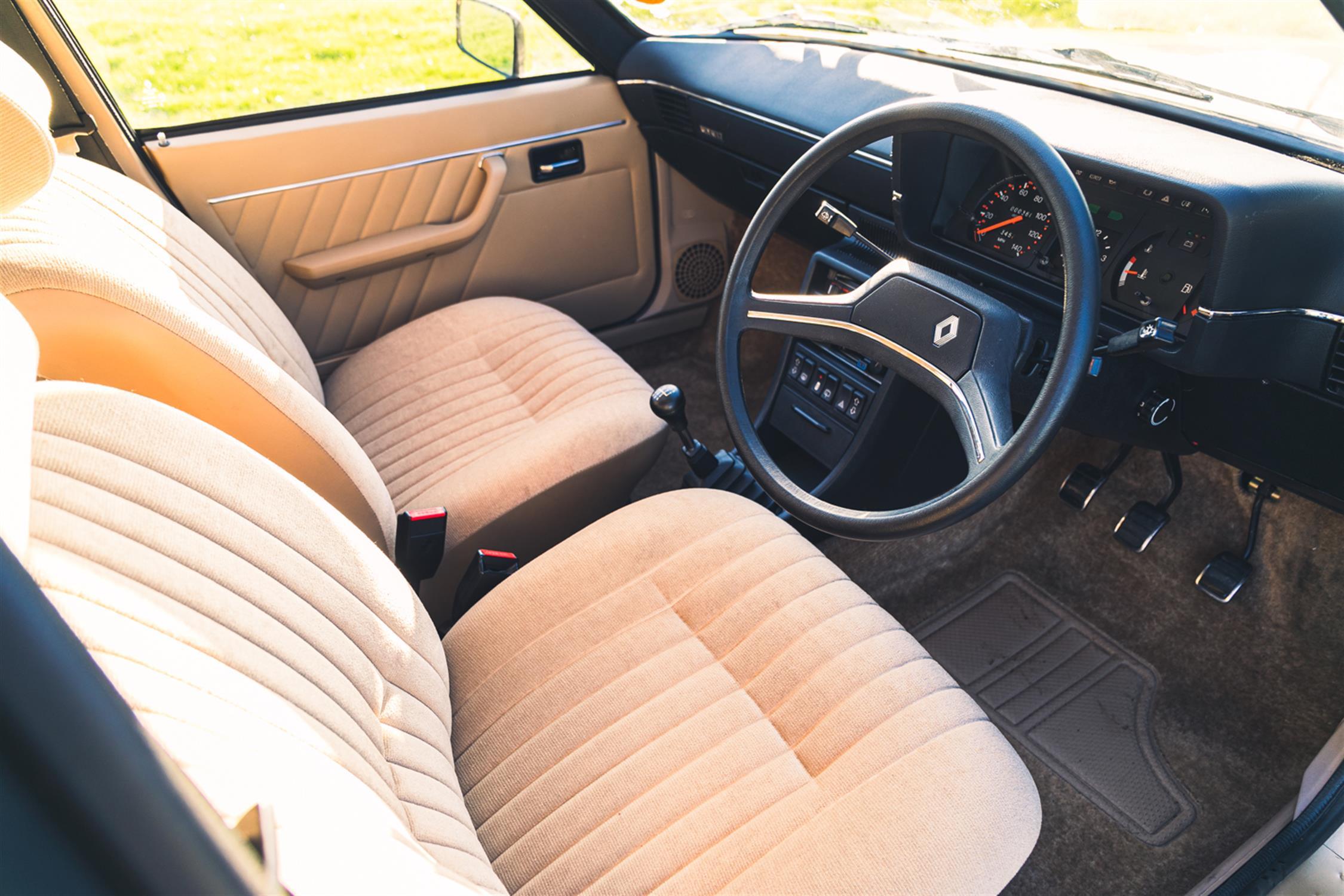 1983 Renault 18 GTL Estate - Image 7 of 32