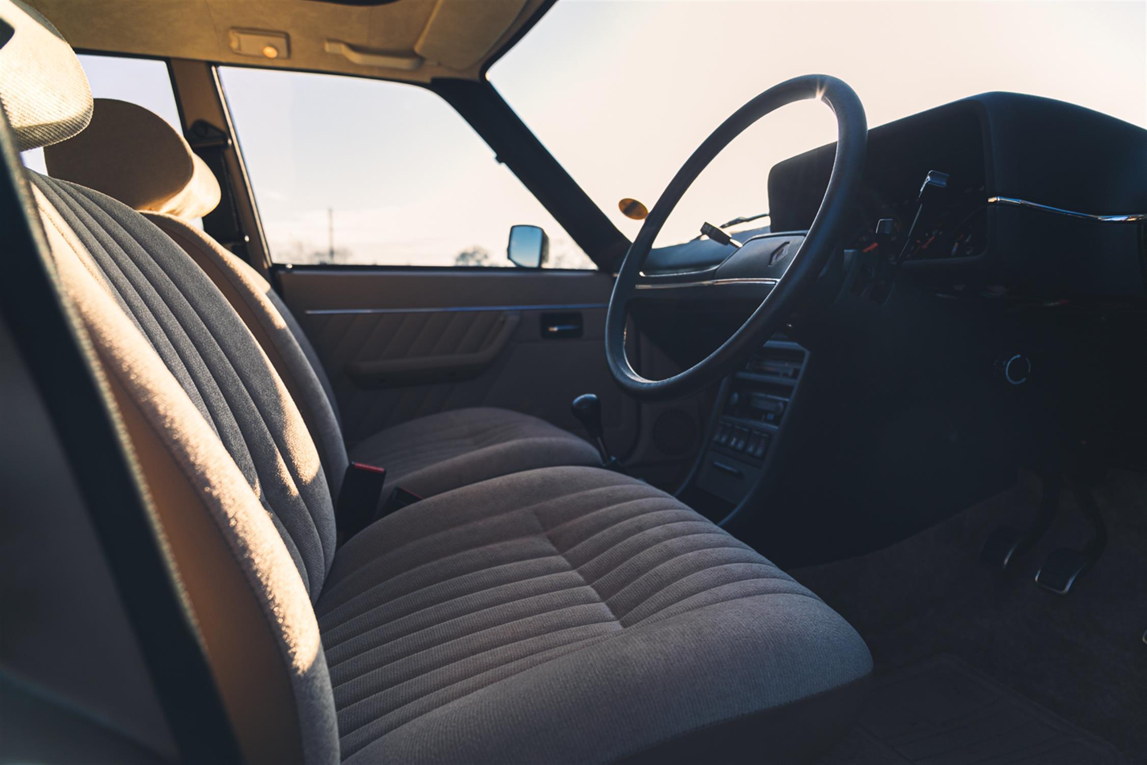 1983 Renault 18 GTL Estate - Image 4 of 32