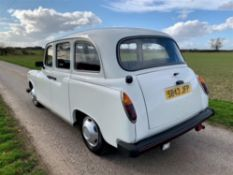 1999 LTI London Fairway taxi (Just 1,993 miles from new)