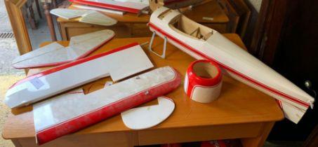 PLASTIC MODEL AIRPLANE