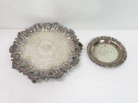 A Georgian style silver salver, Sheffield 1902, 21