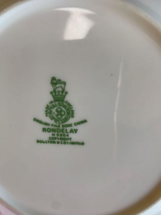 Quantity of Royal Doulton 'Rondelay' dinnerware to - Image 2 of 3
