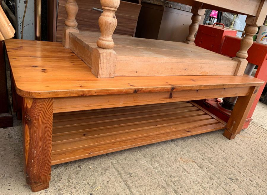 Pine coffee table together with a larger stained p - Image 3 of 3