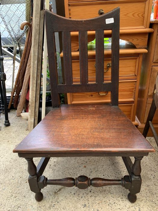 3 chairs, small table & opera chair - Image 6 of 7