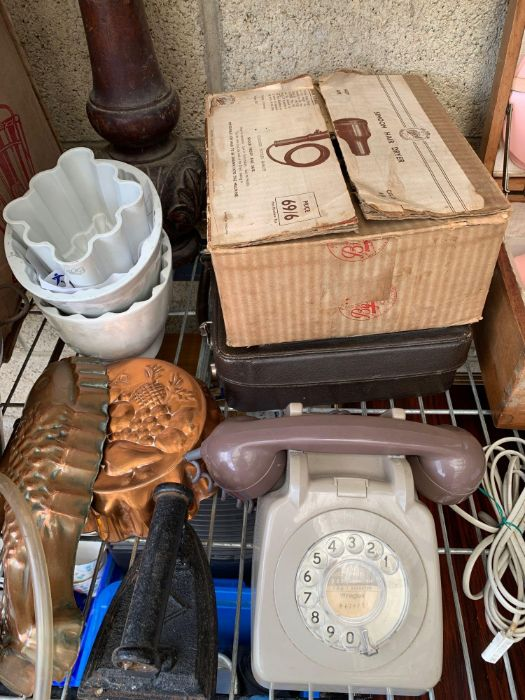 Vintage picnic set together with assorted items to - Image 3 of 10