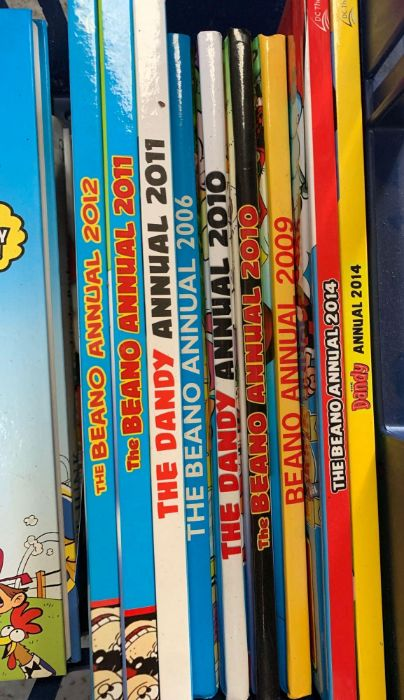 Quantity of The Dandy & Beano annuals - Image 4 of 4