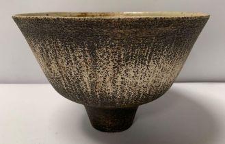Waistel Cooper (1921-2003), a deep stoneware pedes