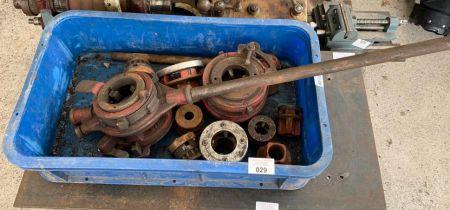 B.S.P pipe threading equipment