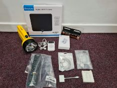 COMBINED RRP £99.00 LOT TO CONTAIN 10 ASSORTED Electronics: Headphone, UNBREAKcable, Duracell,