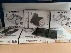 COMBINED RRP £112.00 LOT TO CONTAIN 7 ASSORTED Personal Care Appliances: Salter, Salter, Salter