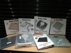 COMBINED RRP £108.00 LOT TO CONTAIN 8 ASSORTED Personal Care Appliances: Salter, Salter, Salter