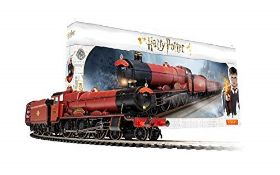 RRP £168.00 Hornby R1234 Harry Potter Hogwarts Express Train Set