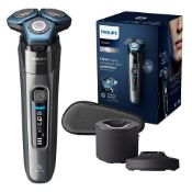 RRP £229.00 Philips Shaver Series 7000 Dry and Wet Electric Shaver for Men (Model S7788/55)