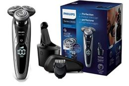 RRP £198.00 Philips 9000 Series S9711 / 32 Wet & Dry Electric Shaver with Precision Blades