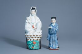 Two Chinese porcelain figures of Guanyin and of a scholar, Republic, 20th C.