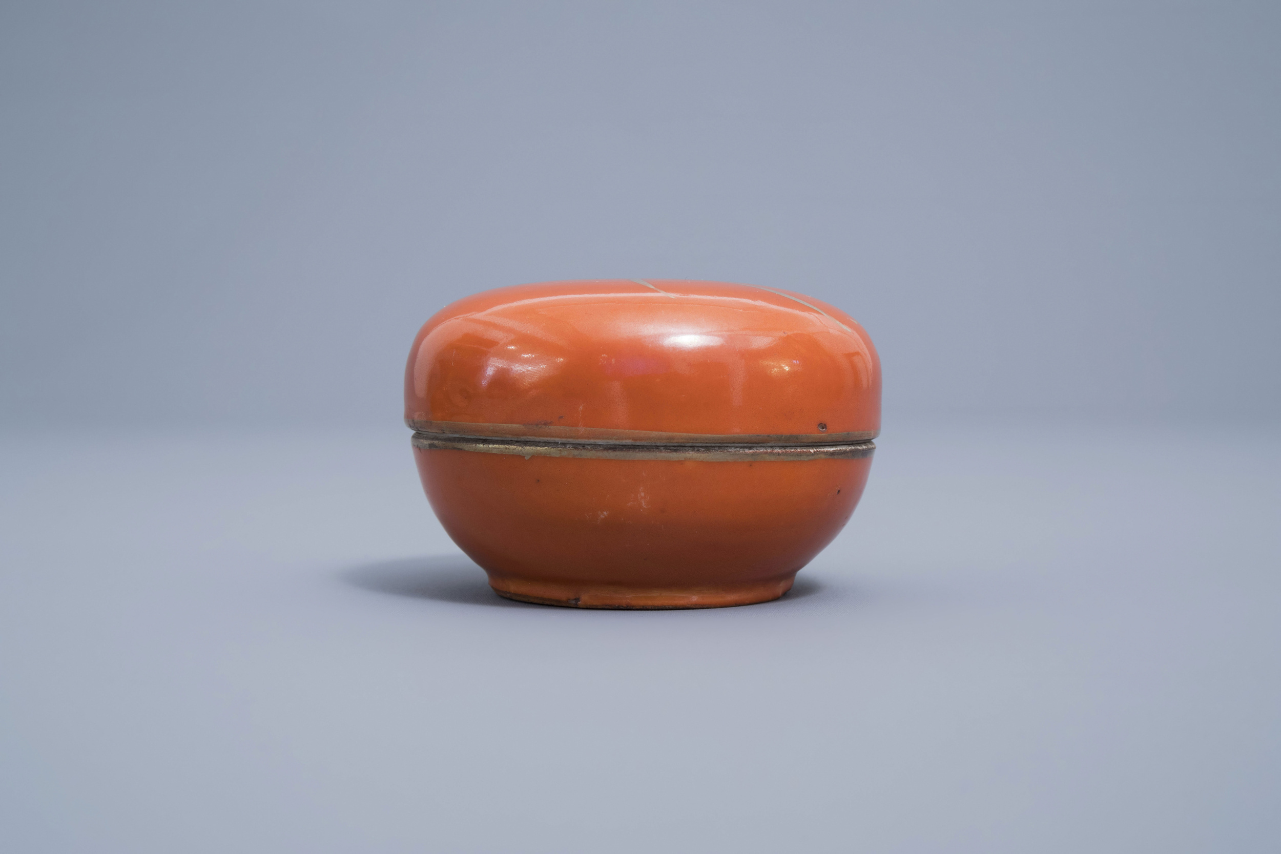 A Chinese four-part gilt decorated coral ground scholar's set, Republic, 20th C. - Image 10 of 22