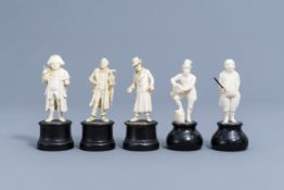 Five carved ivory figures of Charles Dickens 'Pickwick Papers' characters, prob., Dieppe, late 19th
