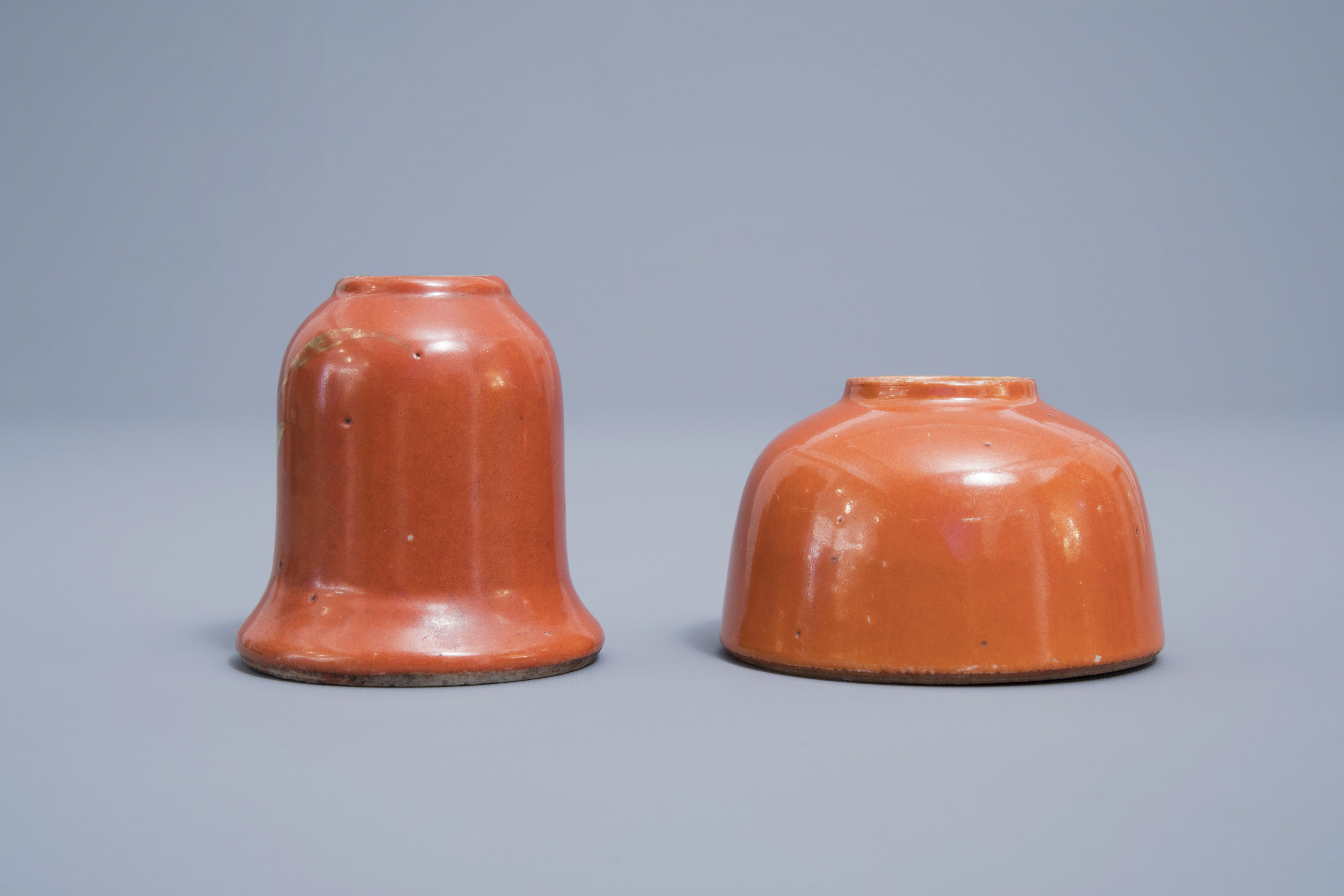 A Chinese four-part gilt decorated coral ground scholar's set, Republic, 20th C. - Image 19 of 22