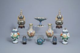 A varied and extensive collection of Chinese cloisonne vases, a teapot and a dish on foot, 20th C.