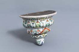 A French Samson famille verte style wall console with floral design, 19th C.