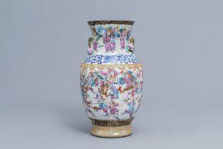 A Chinese Nanking crackle glazed famille rose 'warrior' vase, 19th C.