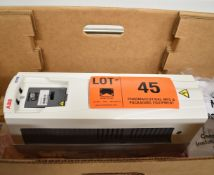 ABB (2018) ACH550-UH-017A-6 15 HP VARIABLE FREQUENCY DRIVE WITH 500-600V/3PH/48-63HZ, S/N N/A